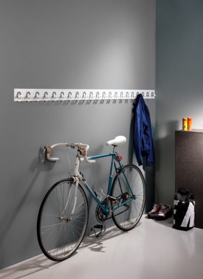 Flow coat hook