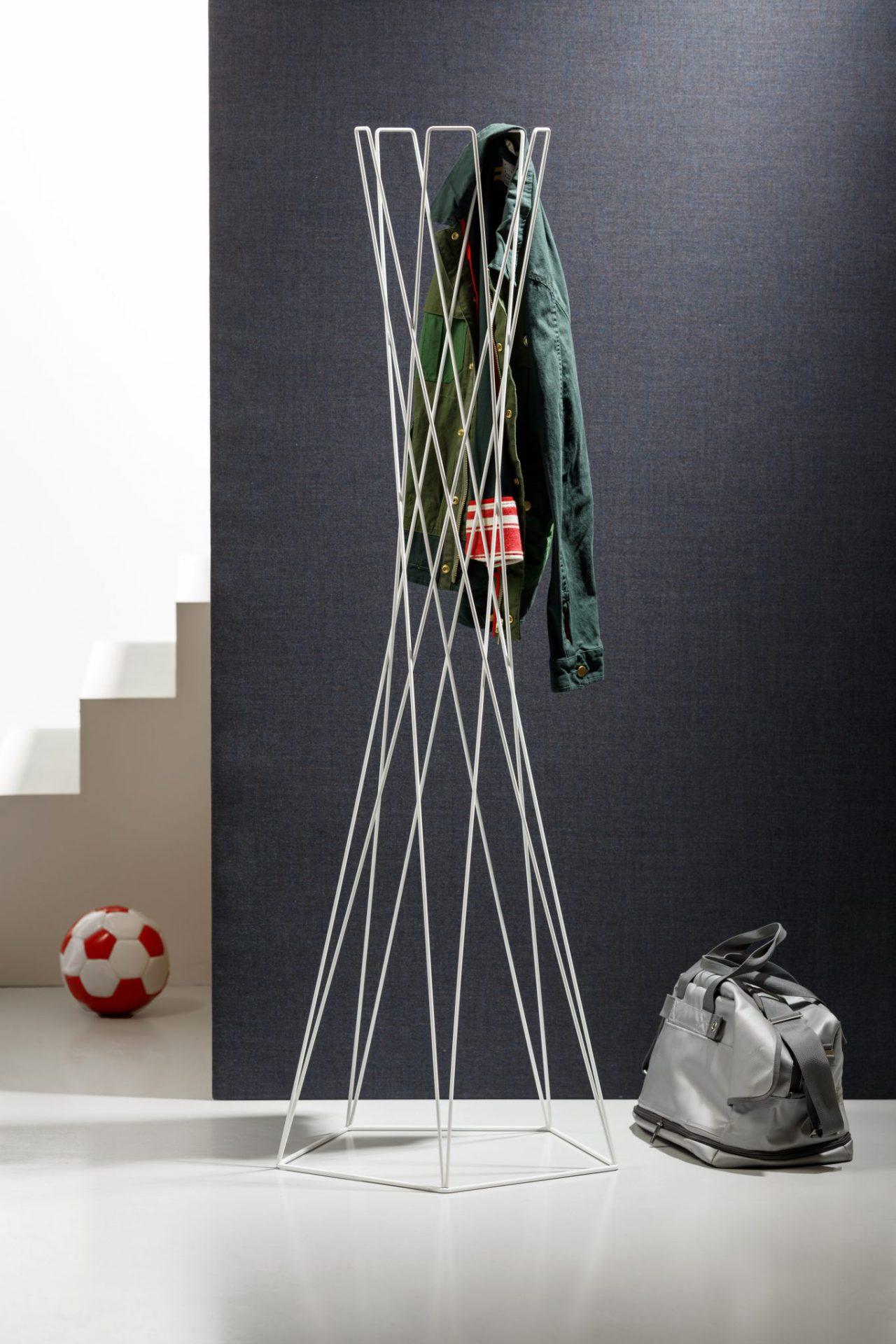 Basket coat stand