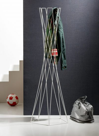 Basket coat stand